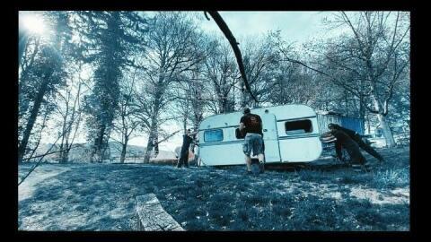 Déplacer une caravane sur un terrain meuble